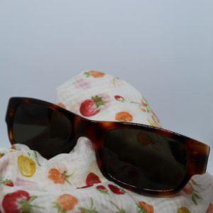 accessoire vintage lunette frip in shop sting face