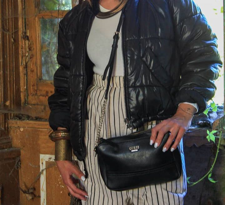 frip-in-shop-friperie-vetements-vintage-accessoires-femme-bonnet-collier-lunettes-sac-a-main-bracelets