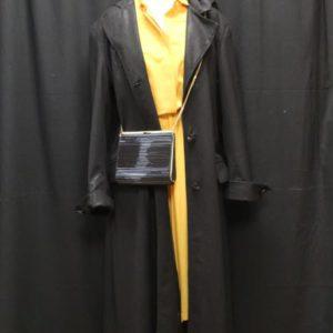 manteau vintrage long noir brillant frip in shop