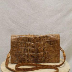 sac vintage peau de caiman frip in shop