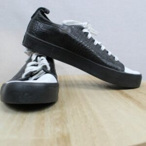 baskets noires et blanches adidas frip in shop
