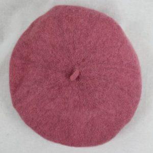 beret rose frip in shop