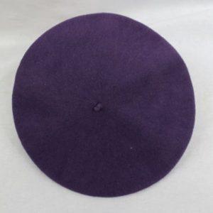 beret violet frip in shop